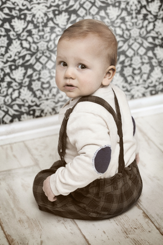 vintage-style-baby-photography